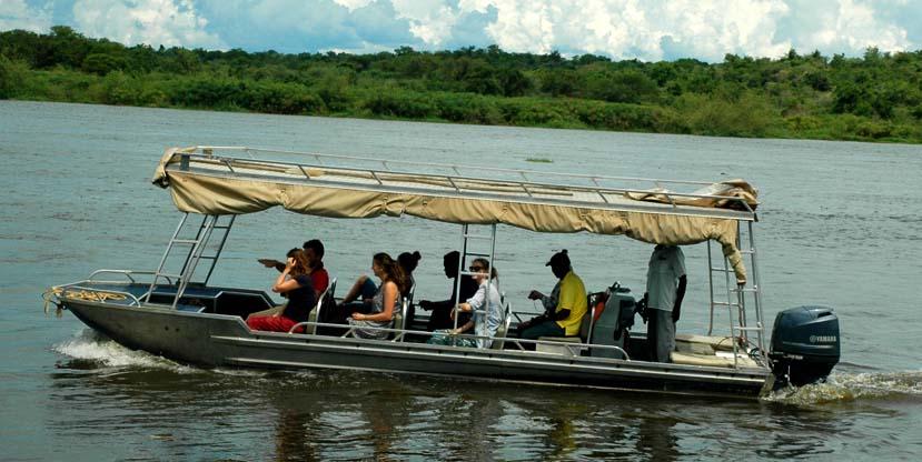9 days best uganda - Boat ride